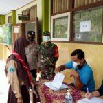 Polsek Ngantru Polres Tulungagung Kawal Vasinasi Pelajar Diwilayah Kecamatan Ngantru